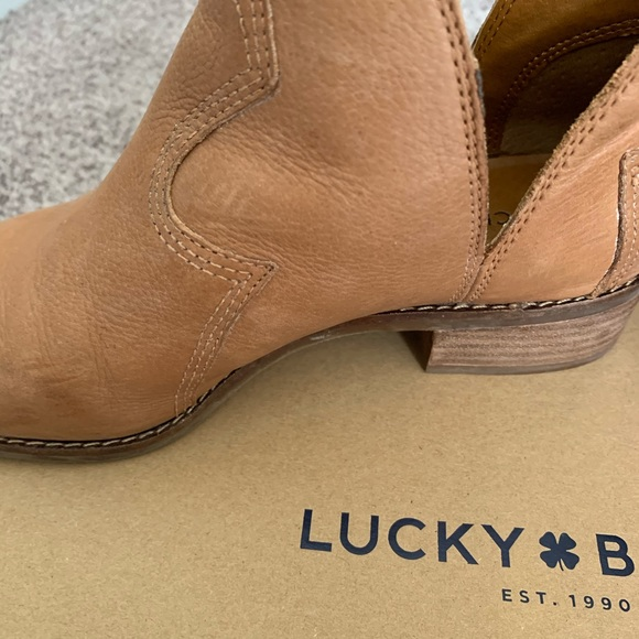 Choose SZ//color Details about  /Lucky Brand Women/'s Leymon Ankle Boot